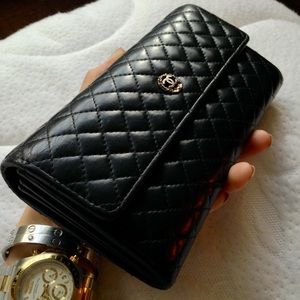 Auth CHANEL Quilted Lambskin Leather Bifold Wallet